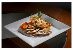 9. Zemplínska pochúťka z kuracieho mäsa so zemiakovými plackami a syrom, 400g [7]